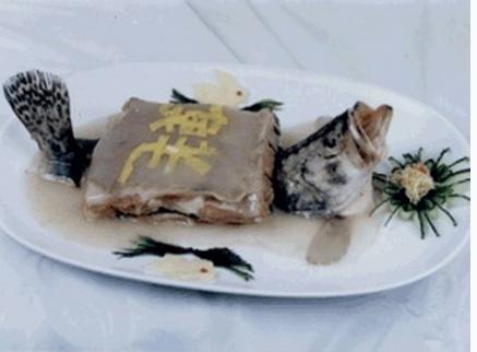 苏菜经典菜色羊方藏鱼怎么做