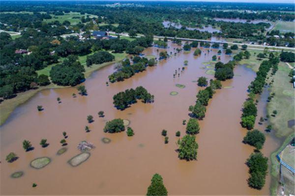梦见洪水是什么意思