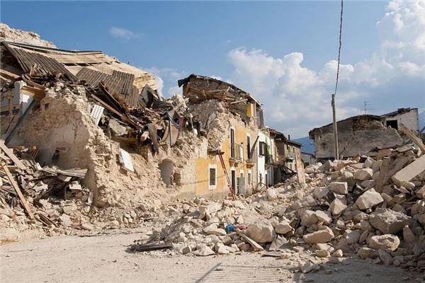 女人梦见房子倒塌是什么预兆