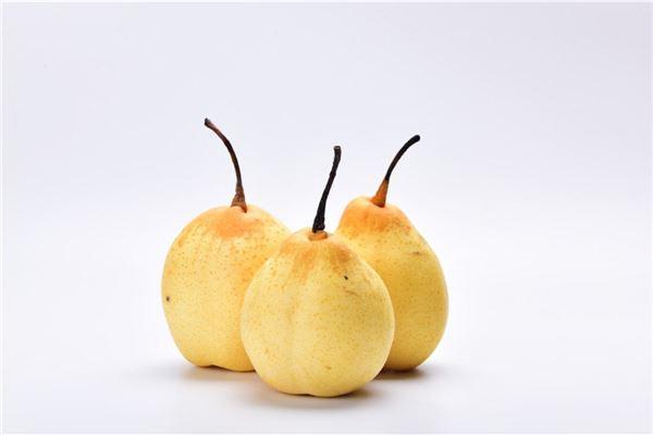 女人梦见偷摘梨子
