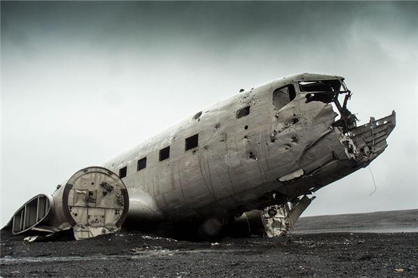 梦见飞机坠落
